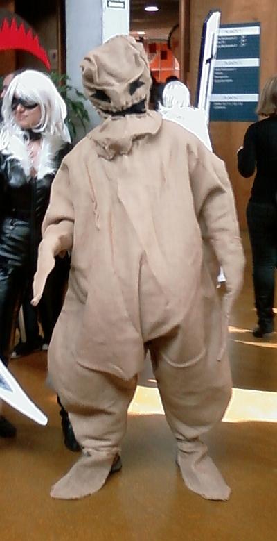 El hombre del saco que se llevaba a los soniers que se acercaban a la expo. X-DDD