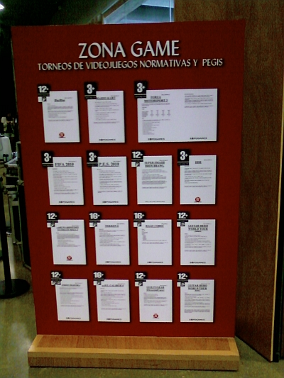 El tablón con los reglamentos de los torneos.